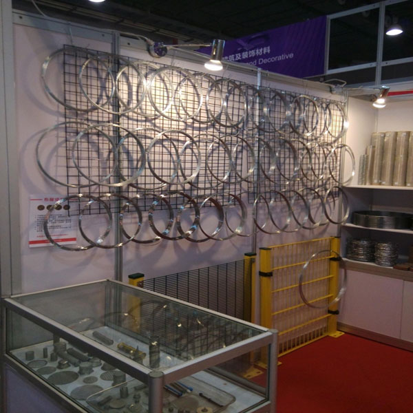 canton fair AnpingTianyuewelded wire mesh Co.,ltd-2